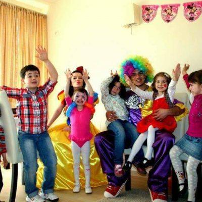 petrecere-cu-clown
